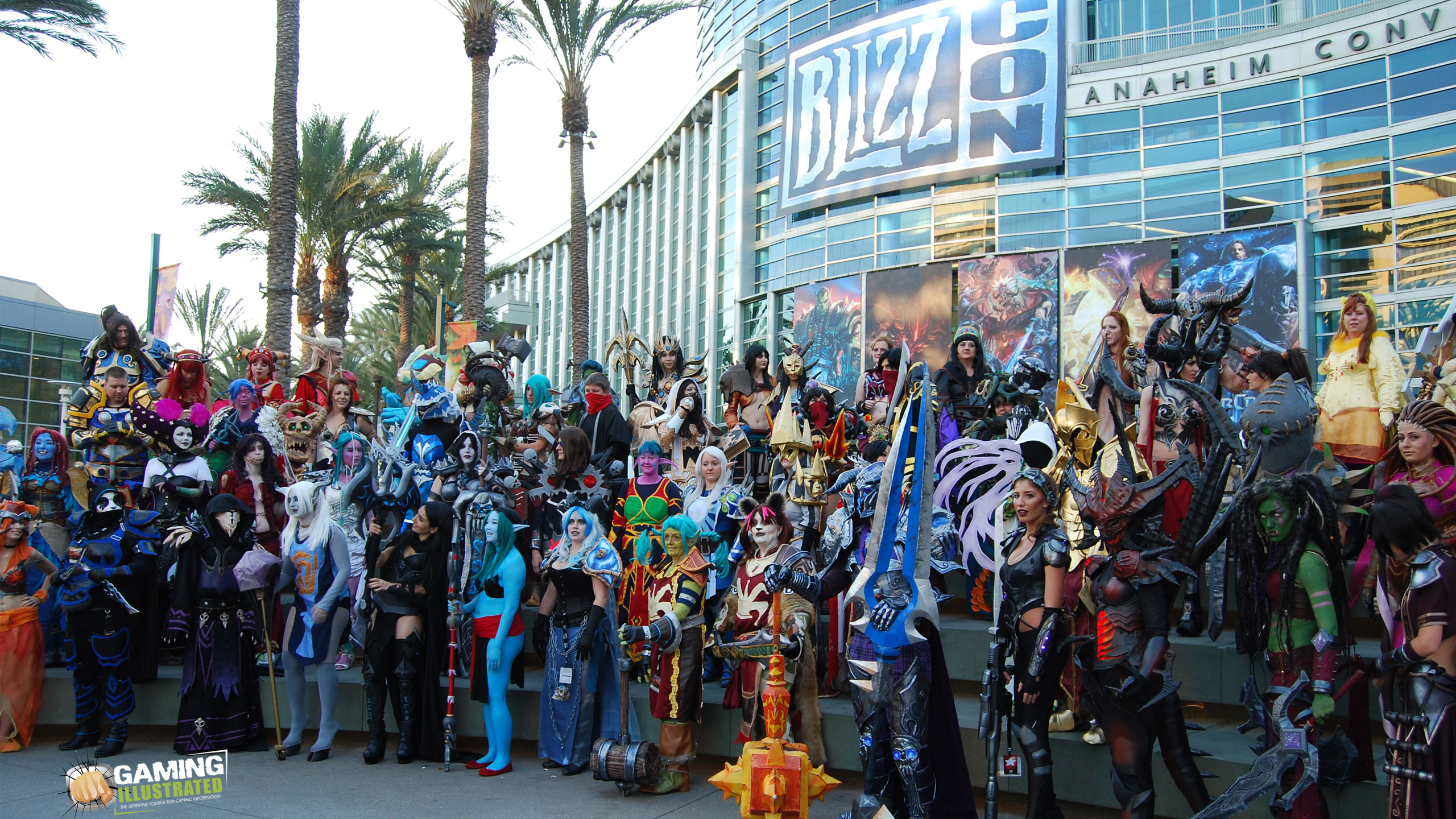 blizzcon-costume-wallpaper-2560x1440
